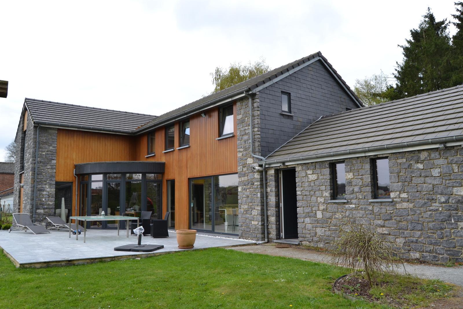 Ossature bois ensival just wood construire sa maison for Assurance gens de maison belgique
